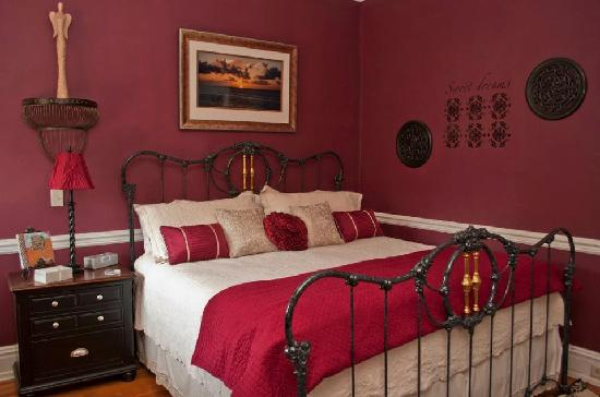 The One Bed and Breakfast: The Dream Suite