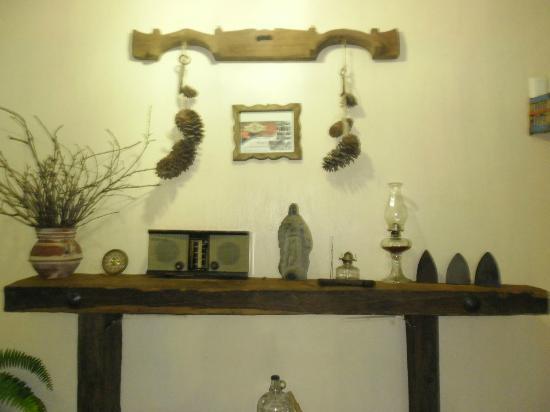 Hostal El Lenador: Decoración en sala de estar