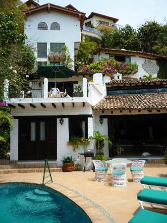 Peace Home Tours: Photo of Casa Owaissa and Casa de la Hoja