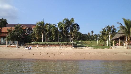 สมุยทองกาด รีสอร์ท: Вид на отель с моря