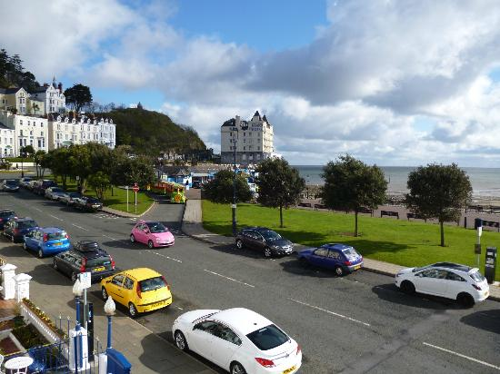 Lauriston Court Hotel: View from room 4