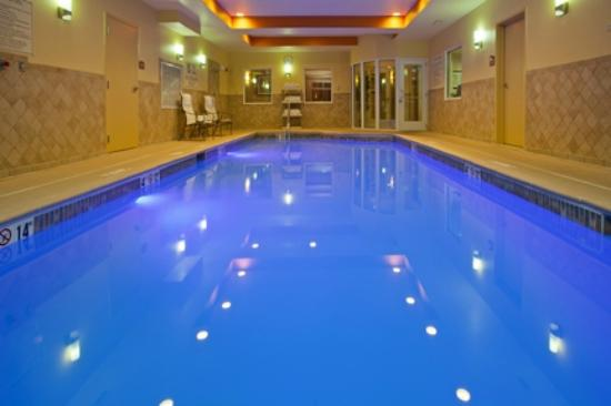 Holiday Inn Express Schereville North: Indoor pool