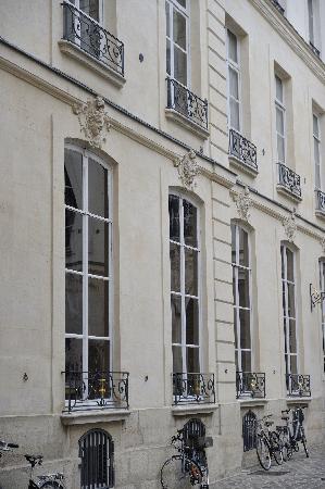 1728: Cour d'Honneur