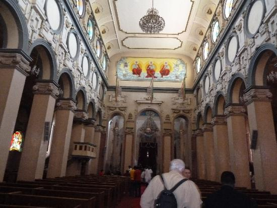 Holy Trinity Cathedral: Innenraum der Kathedrale
