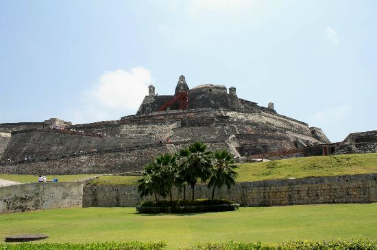 Tour in Cartagena with Marelvy Pena-Hall: Fortress of San Felipe