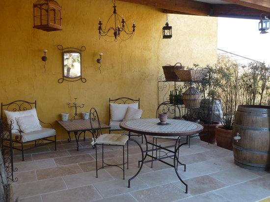 Le Mas Jorel: la nouvelle terrasse du studio Luberon