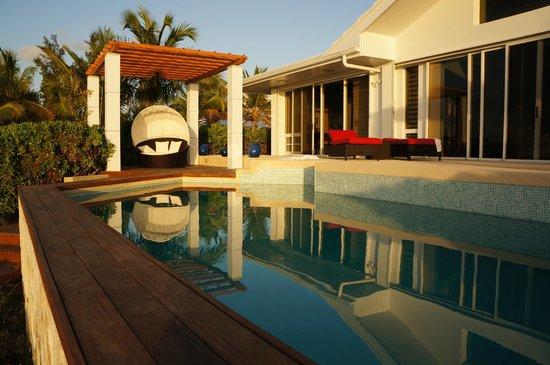 Windsong Resort: Villa pool