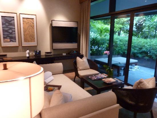 1 bedroom villa - lounge - picture of capella singapore, sentosa