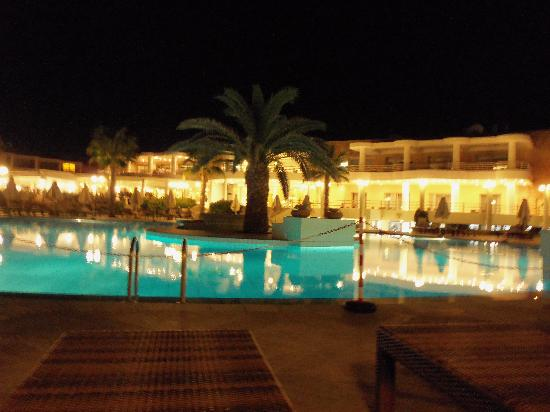 TUI Magic Life Candia Maris: pool at night
