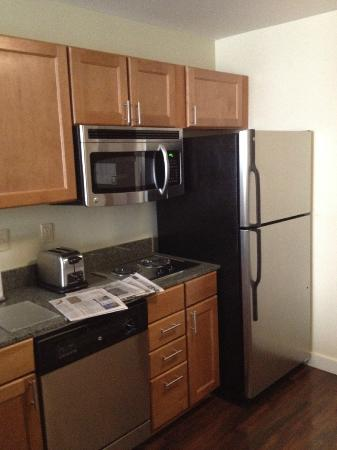 HYATT House Denver Airport: Kitchen