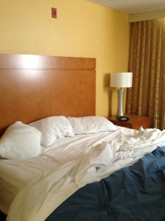 HYATT House Denver Airport: Bed
