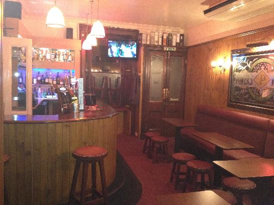 The Woodside Hotel: Our lovely wee snug bar