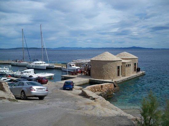 Hvar, Croácia: Sveta Nedjelja seaside marina