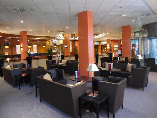 Sheraton Frankfurt Congress Hotel: Bar