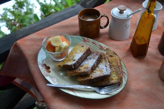 Tesoro Escondido : delicious breakfasts, reasonably priced