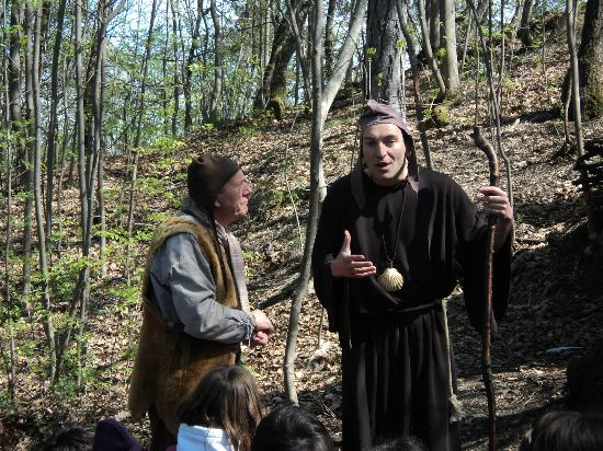 Gropparello Castle - Fairy Tales Park: Il frate pellegrino
