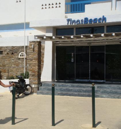 Tinos Beach Hotel: Hotel Entrance