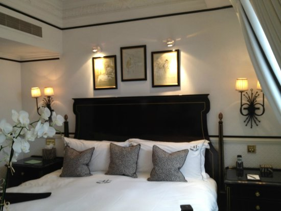 โรงแรม 41: Beautiful room, fresh flowers