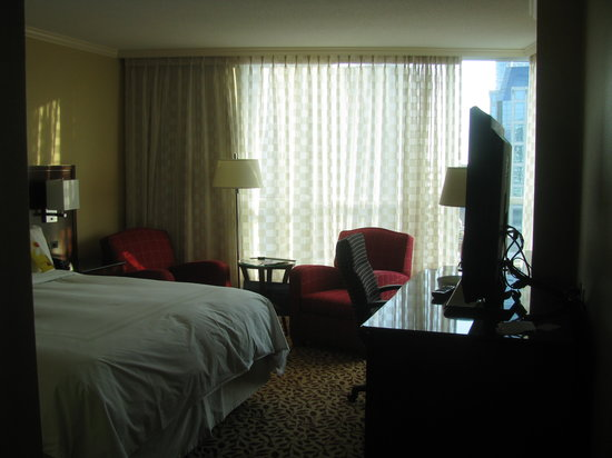 Vancouver Marriott Pinnacle Downtown Hotel: Awesome room!!!