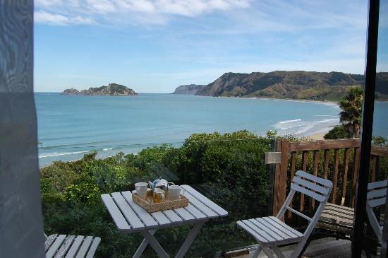 Rangimarie Beachstay: delicious breakfast and what a view!!!