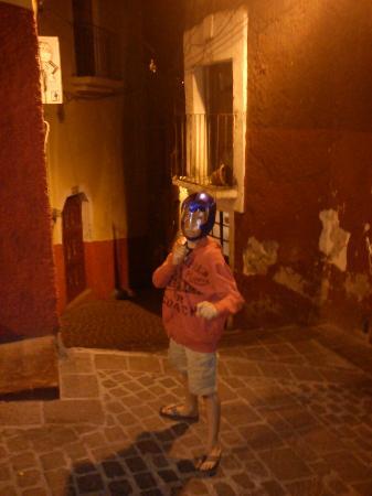 Hotel Balcon del Cielo: Blue Demon vs. las Momias