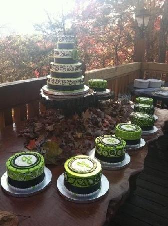 wedding cakes in pigeon forge tn hannahdear wedding cakes picture of cakes by bakin 24733