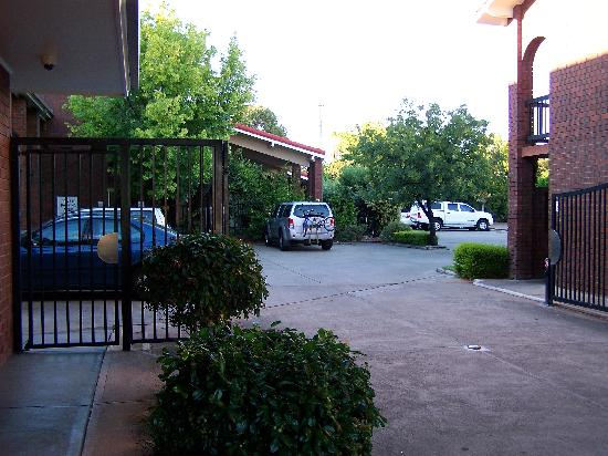 Comfort Inn & Suites Sombrero: Carpark