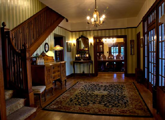 The Inn on Knowles Hill Bed and Breakfast Hotel: Entry
