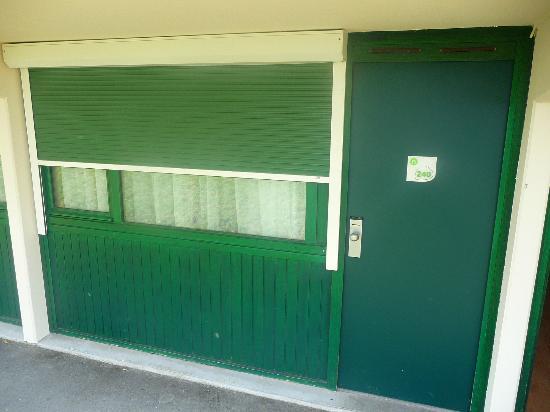 Campanile Poitiers - Site Du Futuroscope : Habitación desde fuera