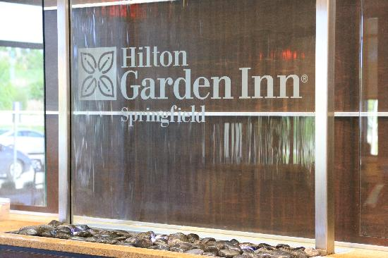 Hilton Garden Inn Springfield: Iconic HGI logo and waterfall effect. Very interesting touch!
