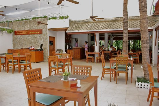 Salathai Resort: Breakfast area.