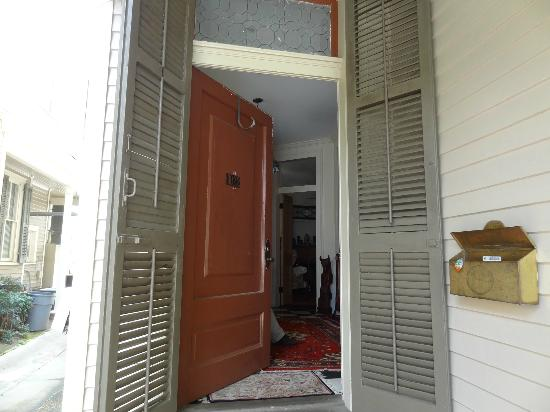 Audubon Park House Bed & Breakfast: the front door