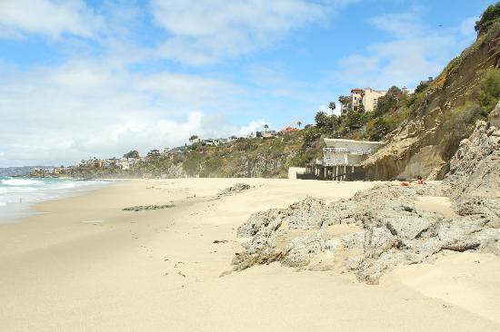 1,000 Steps Beach: Looking North