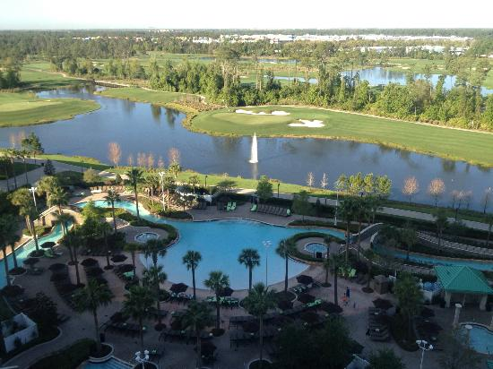 Hilton Orlando Bonnet Creek: Pool view from our room