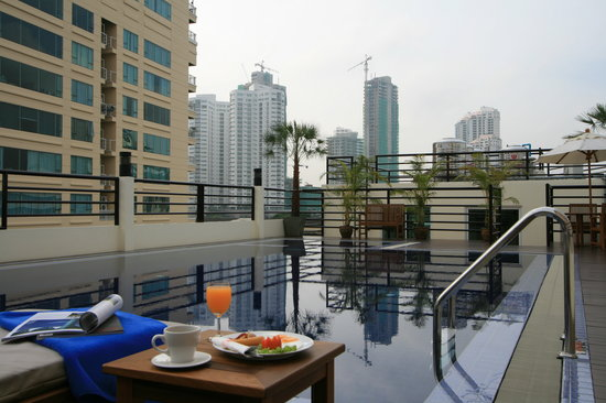 D Varee Diva Bally Sukhumvit: Swimming Pool on the 5th floor