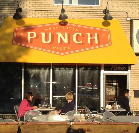 Punch Neapolitan Pizza - Highland : Outside and the small, pleasant patio