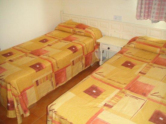 Bora Bora Apartments: Bedroom