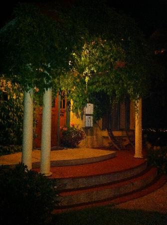 Mistiso's Place Vacation Rentals: Mistiso's Place in the dark...