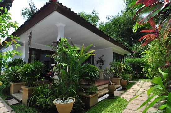 The Zen Villas: Tropical gardens surrounding our villas