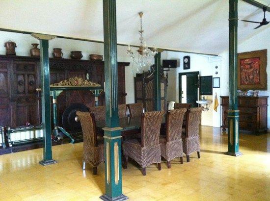 nDalem Gamelan Hotel : Dining room