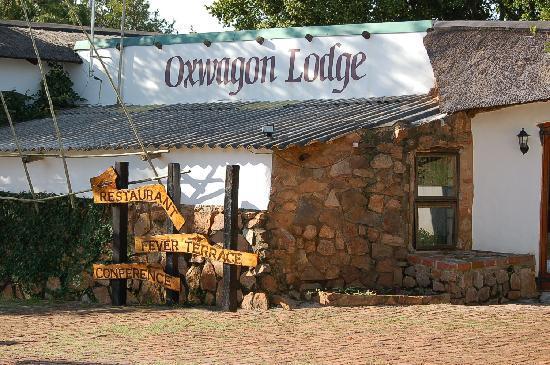 Oxwagon Lodge: Entrance area to the Oxwagon