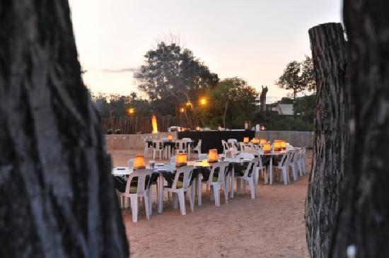 Nkambeni Safari Camp: Boma dinners