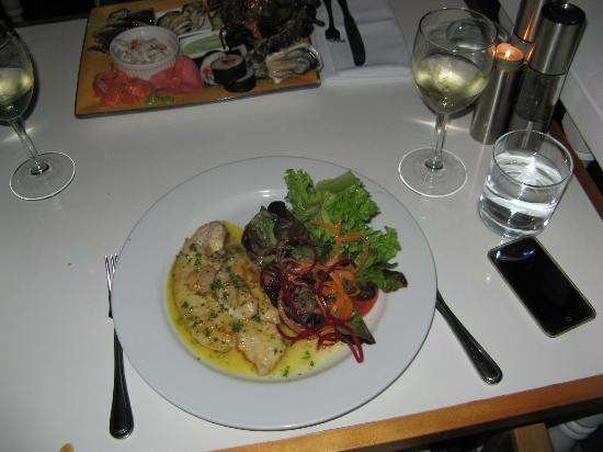 Only Seafood : Snapper with lemon butter sauce