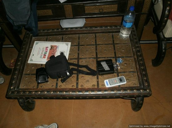 Haveli Hotel: No Glass on center table and rusted nails on it  - 8 Apr'12
