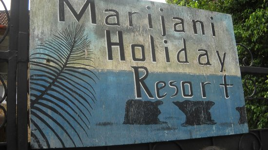 Marijani Hotel: Surrounding areas- outside the hotel