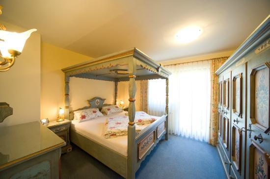 Haus Sieben Zwerge: Schlafzimmer Wohnung Schneeweißchen
