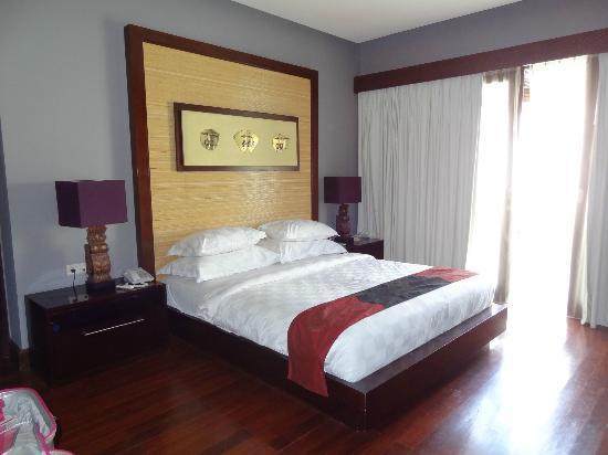 Pradha Villas: Main bedroom
