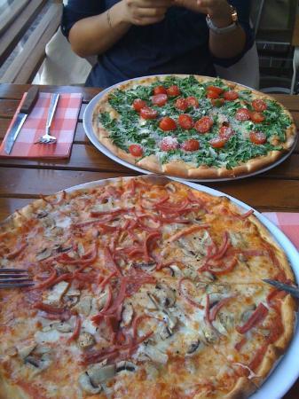 Miss Pizza : Mmm..