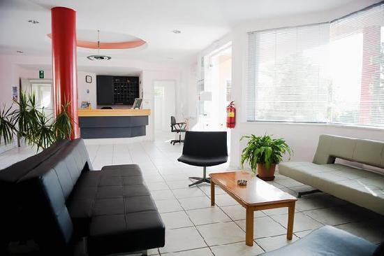 Mediterranea Apartments: reception