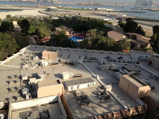 Habtoor Grand Resort, Autograph Collection: bellissima vista dalla stanza e di quei profumi